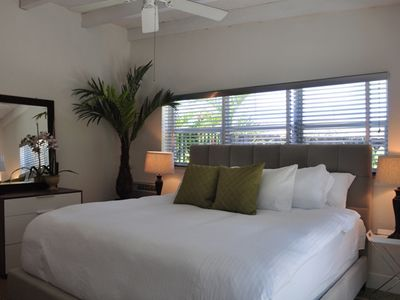 Fort Lauderdale house rental - King bedroom, lots of light and the best linens and mattress for your comfort