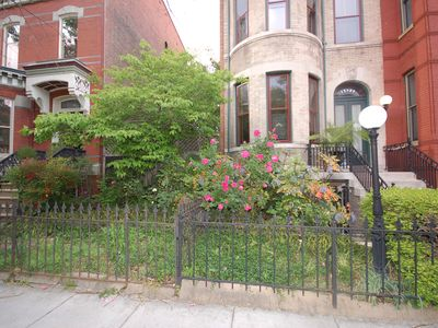 R Street, Logan Circle-- Great dining/shopping, easy Metro (3 block walk)