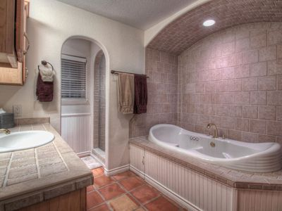 Austin house rental - Master Bathroom