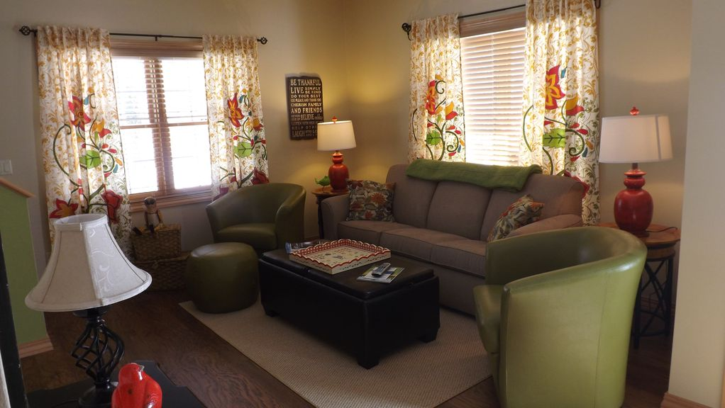 In the heart of fish creek just steps from vrbo for Living room queen creek