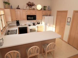 Bethany Beach house photo - Kitchen with eat in counter