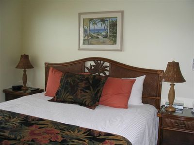 Great Exuma townhome rental - Queen bed, plenty of storage, an inrm. safe, and luxurious 4 pc. private bath