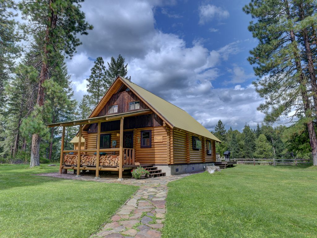 Riverfront Log Cabin Overlooking 300 39 Of The Vrbo