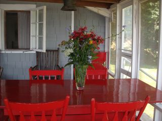Stockton Springs cottage photo - dining for 6-8