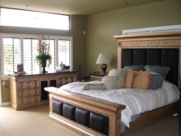 Beautiful Furniture in all Rooms. Master room with office-bathroom suite.