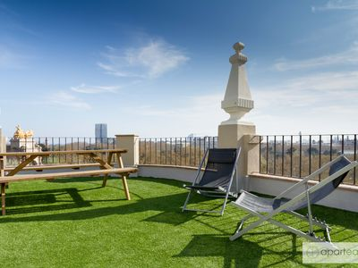 Great apartment and fantastic terrace. Ideal location! (9 people)