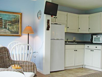 Hampton Beach condo rental - kitchen / living