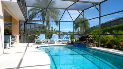 Sunset Retreat-Disney/Princess Rooms - New Expanded Pool Area/Tropical Waterfall