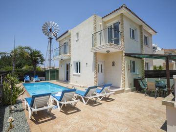Cozy house in Protaras with Parking, Internet, Air conditioning, Pool