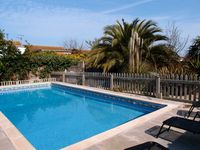 Holiday home with swimming pool, 200 m from beach, sleeps up to 10