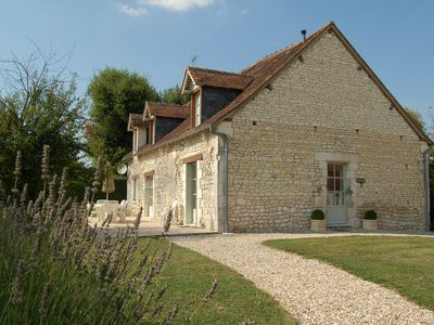 Beautifully renovated farmhouse & grange with pool in lovely area. - La Grange