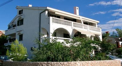 Beautiful and modern in green surroundings 130 metres from the beach. 4****