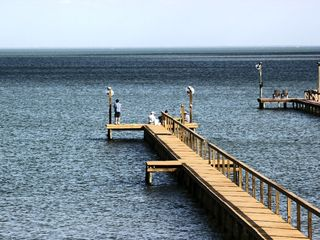 Luxury copano bay home with 7 bedrooms and a new private for Copano bay fishing