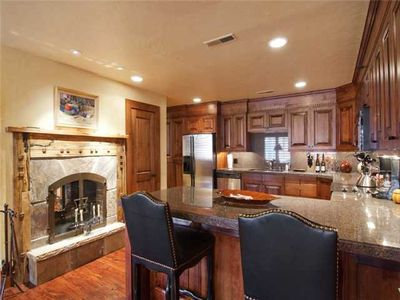 Beautiful kitchen, 2-sided gas fireplace