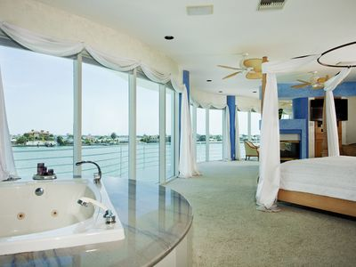 St Pete Beach house rental - 65 foot master bedroom, large jacuzzi tub, unbelievable sunrise views