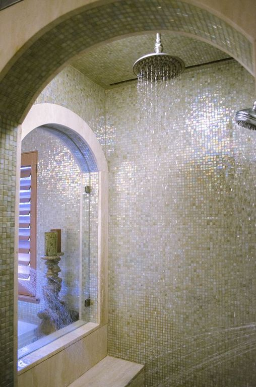 The steam shower in the master bathroom... Heaven on Earth!