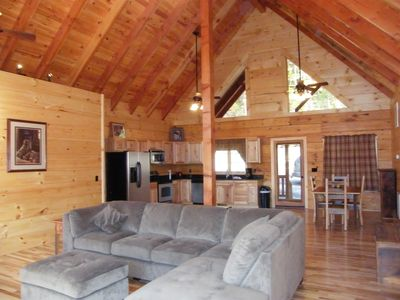 Luray Cabin Rental: Holiday Mountain Log Cabin - A New Luxury Log ...