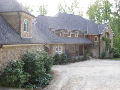 Executive Estate located in the heart of the Triangle
