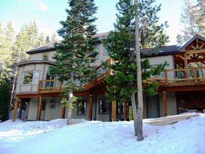 Your Secluded Mtn Hideaway!      Major Remodeling Completed Just A Few Years Ago