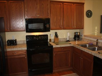 Fully equipped kitchen, tile counters, everything the chef will want!