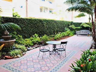 Santa Monica studio photo - Courtyard at The Embassy Hotel Apartments
