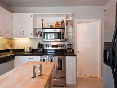 Whip up a Gourmet Meal in the Cozy Kitchen w/ Modern Conveniences