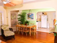 Comfortable Family Vacation Home, 1 Min. Walk to Beach Access.