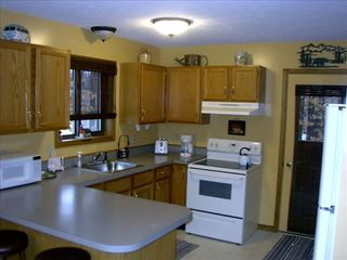 Kitchen - Arrowhead Lake chalet vacation rental photo