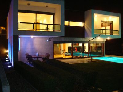 Ericeira villa rental - Villa's exterior view (night)