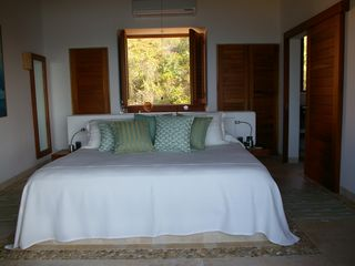 Zihuatanejo condo photo - Master King Suite