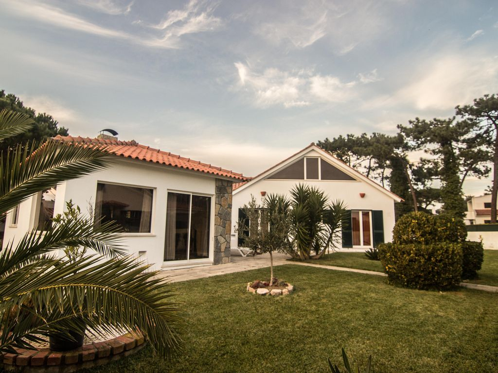 Holiday house, 625 square meters , Mucifal, Portugal