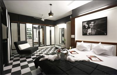 Bollywood suite 2 Bedroom Near BKC