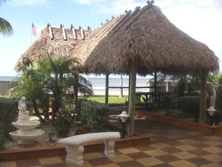 Fort Myers Beach condo photo - Tiki hut with gas barbecue grills
