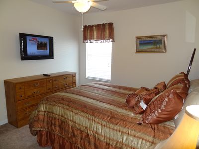 Queen Bedroom with 32 inch Flat Panel TV