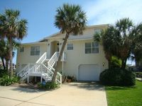 Incredible Waterfront Home, Heated Pool, 90' Boat Dock, Game Room, Jacuzzi,Beach