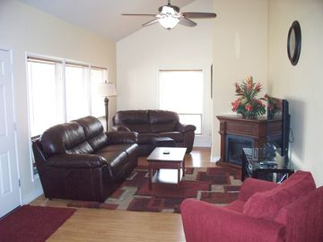 Flagstaff townhome rental - Large Living Room