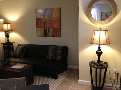 Healdsburg condo rental - Petite Syrah - cozy leather futon sofa