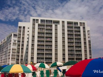 SHORELINE TOWERS SITTING ON BEAUTIFUL DESTIN BEACH