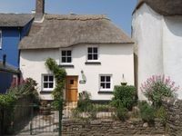 Family Friendly Thatched Cottage near Salcombe and sandy beaches