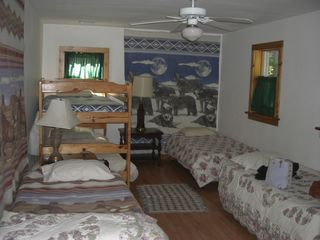 Lake Wallenpaupack cottage photo - Kids BUNK Room sleeps 6