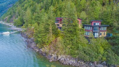 """NEW!!!    """"The Lodge on Harrison Lake"""" Secluded 2.5 Acres, Private Dock & Beach!"""