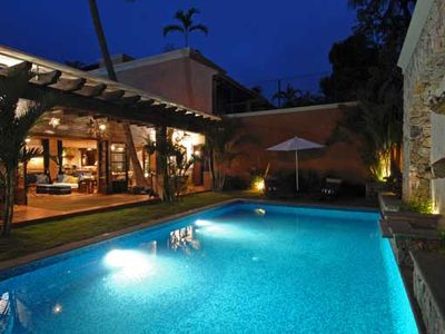 $275/nt Apr-Oct Special! Chic Villa Oasis with Cook & Maid,Steps to Beach!
