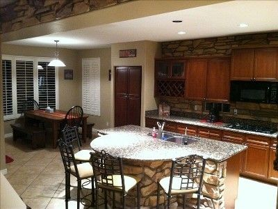 Peoria house rental - Kitchen & Dining Area