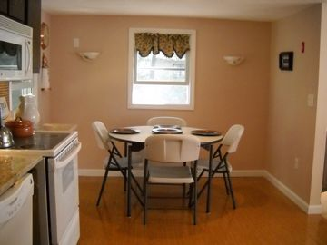 .Dining area in kitchen