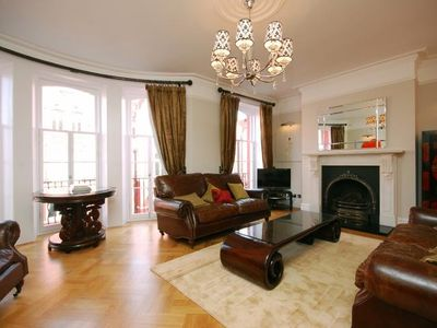 Paddington apartment rental - Large cosy reception room with working gas fire