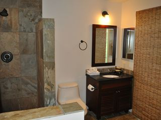 Lahaina condo photo - Second Bathroom