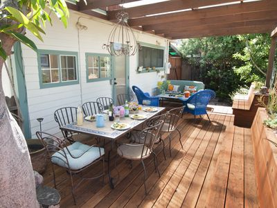 Lovely & private, updated Bungalow home w/ spacious back deck & yard w/ Jacuzzi