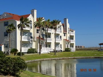 Condo building around the little lake,so peaceful! 10-29-1012