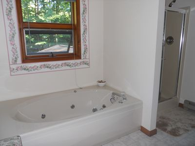 jacuzzi tub/ second floor suite