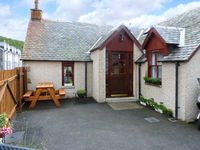 CASTLETON COTTAGE, country holiday cottage in Braemar, Ref 8465